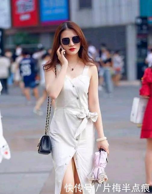 国色天香的美女,一条白色的连衣裙,时尚魅力女神范