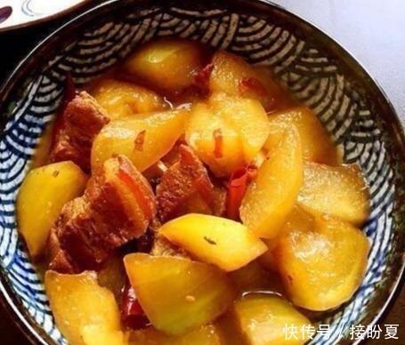 <b>美食推荐:凉拌黑木耳,香葱炒腰花,冬瓜烧肉的做法</b>
