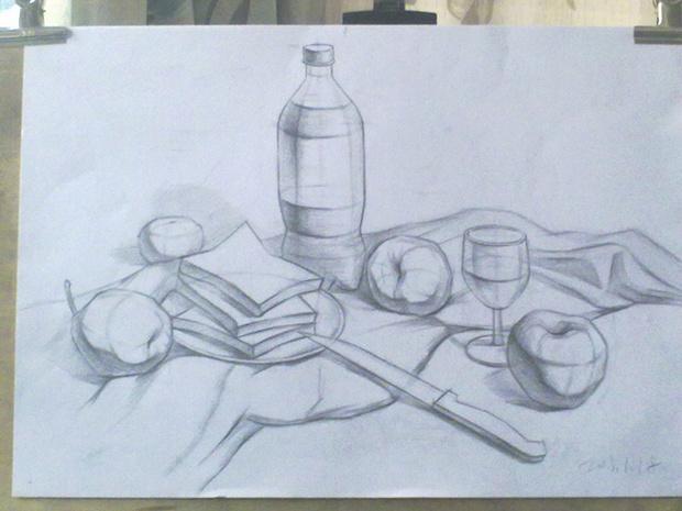 素描杯子和葡萄酒的高清图片