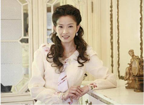 同演《木棉花的春天》,今一人成苦情女王,她却变成被遗忘的女神