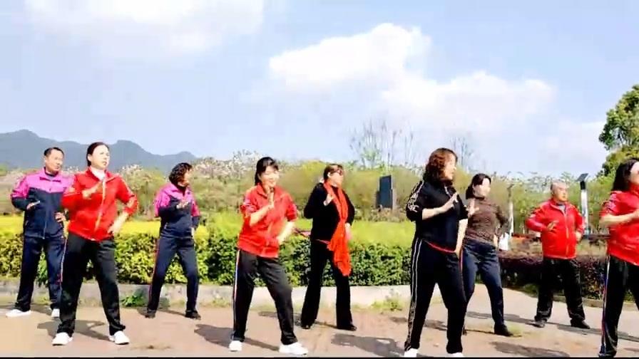 《火火的爱》动感健身操,下班回来跳一遍放松心情