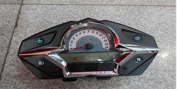 我的摩托是大阳枭剑 电子仪表 油表不准能不能调?