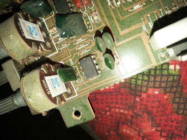 求简单的音频放大集成块4558d电路图 说明各个脚怎么接线