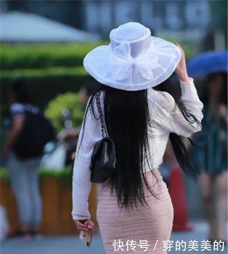 路人街拍:女神范的小姐姐,身材紧致动人,散发性感的韵味