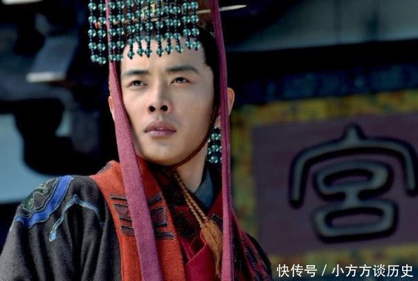 汉献帝听说刘备称帝后,为何对蜀国方向连笑3声