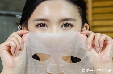 <b>敷完面膜后该不该洗脸, 很多人都做错了, 难怪越敷效果越差</b>