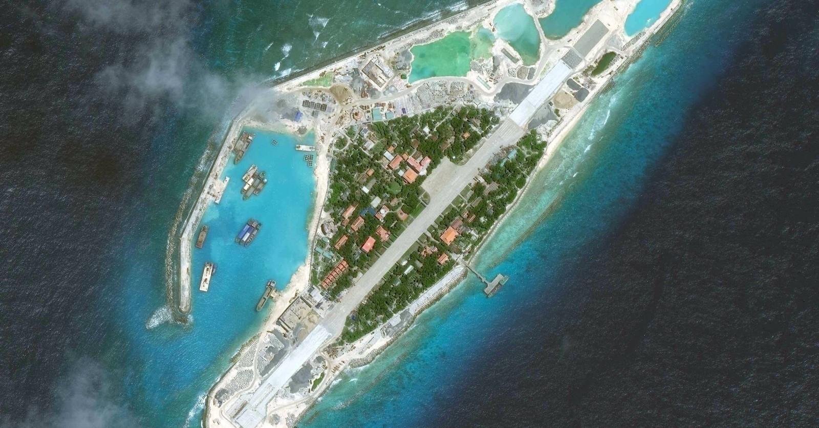 威胁中国南海:越南在非法侵占岛屿部署苏30