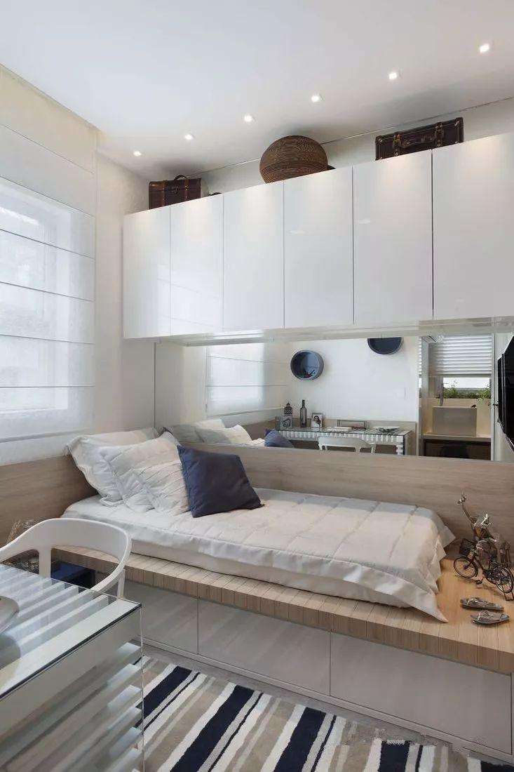 如果榻榻米床头或者床尾位置空间有限
