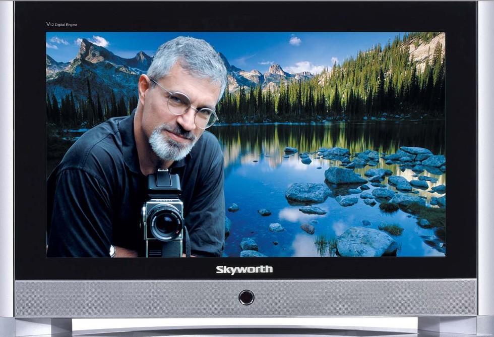 兼容制彩色电视除传送相同于黑白电视的亮度信号和