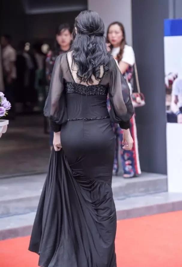 a皮肤的美皮肤,图片妈妈裙上围丰满少妇紧,吊带性感内裤黑色臀围三角图片