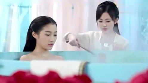 杨蓉和关晓彤的洗澡戏竟然是这样拍出来的,原来我一直都想多了