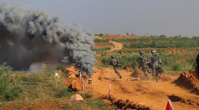 陆军院校开展实战化毕业综合演练