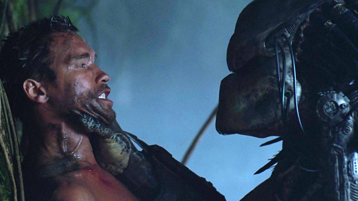 5分钟看完1987年经典科幻片《铁血战士》施瓦辛格大战铁血战士