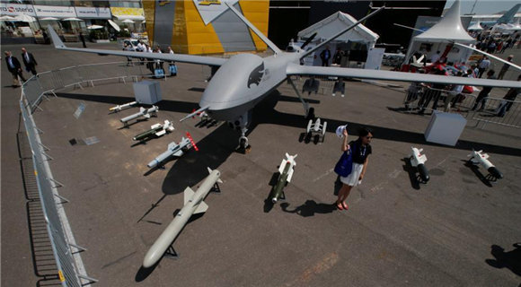 巴黎国际航展持续进行 中国翼龙2无人机亮相