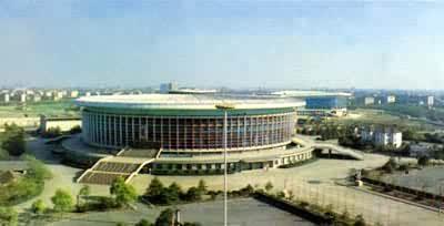 国际上著名的体育馆有:1960年建成的罗马大体育馆和