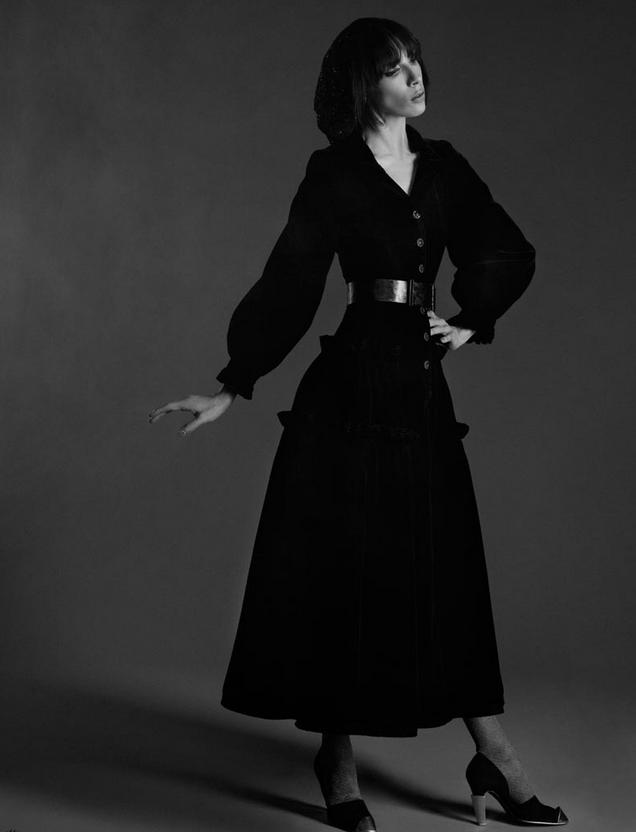 在1926年,香奈儿女士第一次发布了她的小黑裙.