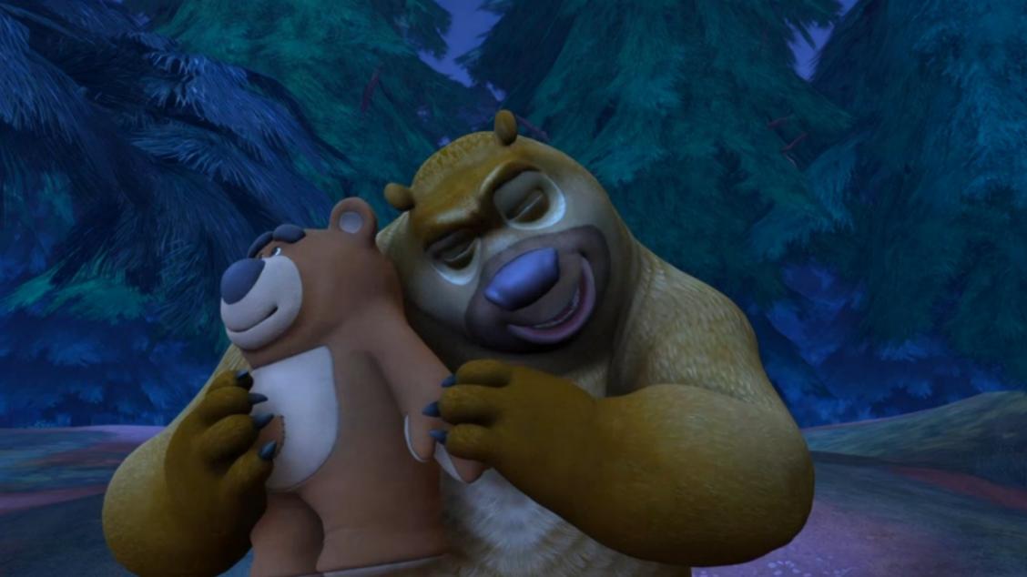 熊二都多大了还喜欢娃娃,熊大无奈了!