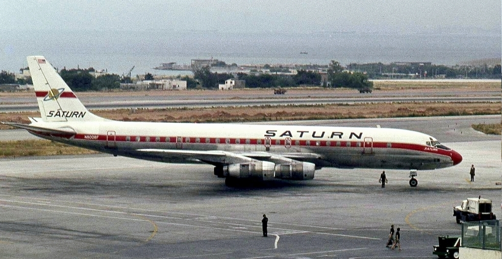 dc-8晚于波音707飞机投入运营